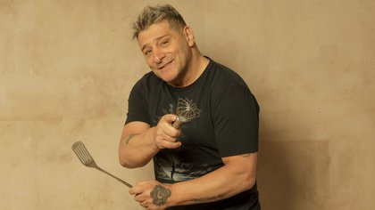 El ídolo académico asegura que su fuerte son las cuchillas y su comida favorita son las milanesas a caballo