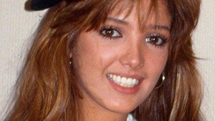 Photo © 2015 The Grosby Group  Mexico, D.F., 1988. Adela Noriega y Chantal Andere durante la presentacion de la telenovela Dulce Desafio en las instalaciones de Televisa.