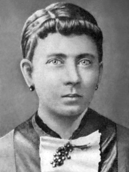 Klara Pölzl Hitler, madre del genocida nazi. Todo el amor de Hitler estuvo volcado en su madre, que murió de cáncer en el otoño de 1907, cuando Hitler tenía 18 años y soñaba con ser artista (Wikipedia)