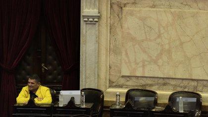"""Desde la defensa de Olmedo rechazaron la existencia del delito y justificaron que se trató de """"inconvenientes cometidos por la empresa a cargo del traslado de la aeronave"""" adquirida por el dirigente salteño (Adrián Escandar)"""