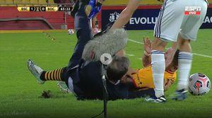 Susto en Boca: la violenta caída que sufrió Miguel Ángel Russo durante la derrota ante Barcelona de Ecuador