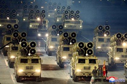 Véhicules militaires lors du dernier défilé militaire nord-coréen (KCNA / REUTERS)