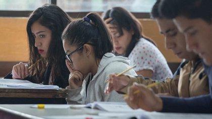 Los alumnos deberán seguir las normas que establece la Comipems para su ingreso. (Foto: Cuartoscuro)