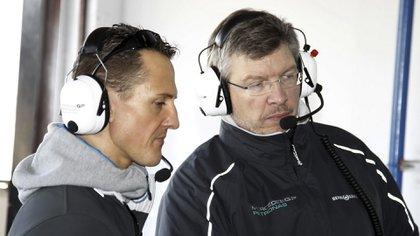 Michael Schumacher junto a Ross Brawn