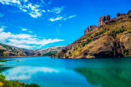 La porción de las búsquedas para algunos destinos no-urbanos, creció un 50% o más y entre ellos se destacan lugares como San Carlos de Bariloche, Ushuaia, Villa La Angostura y Potrerillos (Shutterstock)