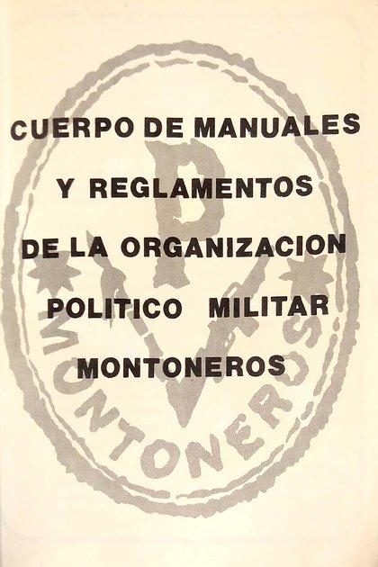 La tapa del manual está reproducida en la segunda página pero en blanco y negro.