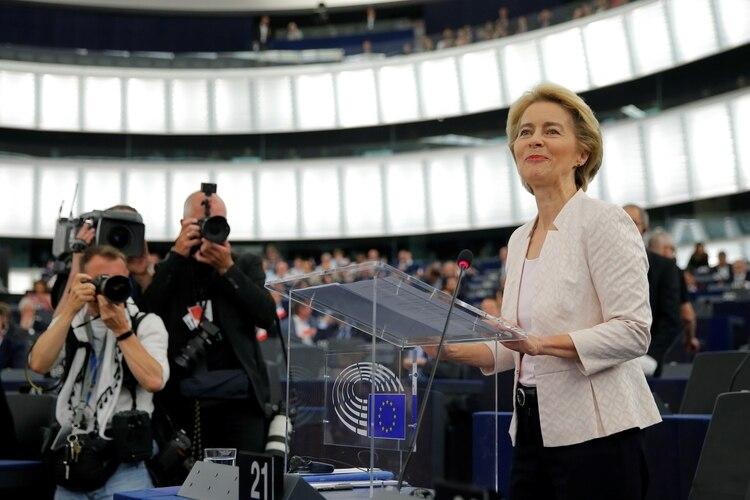 Ursula von der Leyen hablando ante el Parlamento Europeo(REUTERS/Vincent Kessler)