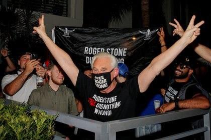 Roger Stone, ex asesor del presidente Donald Trump, ante la conmutación de su pena.  REUTERS/Joe Skipper     TPX IMAGES OF THE DAY