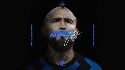 Vidal ya fue presentado en el Inter, que pagará 1 millón de euros si se cumplen las variables establecidas en la negociación
