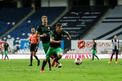 Almada adelantó que realizará un planteamiento parecido al que usó contra Monterrey (Foto: Cortesía/ Club Santos)