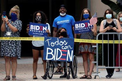 Simpatizantes de Biden en Tampa (Reuters)