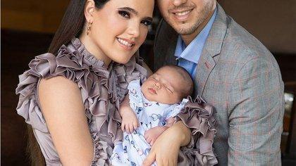 Camila Fernández mostró por primera vez el rostro de su hija Cayetana