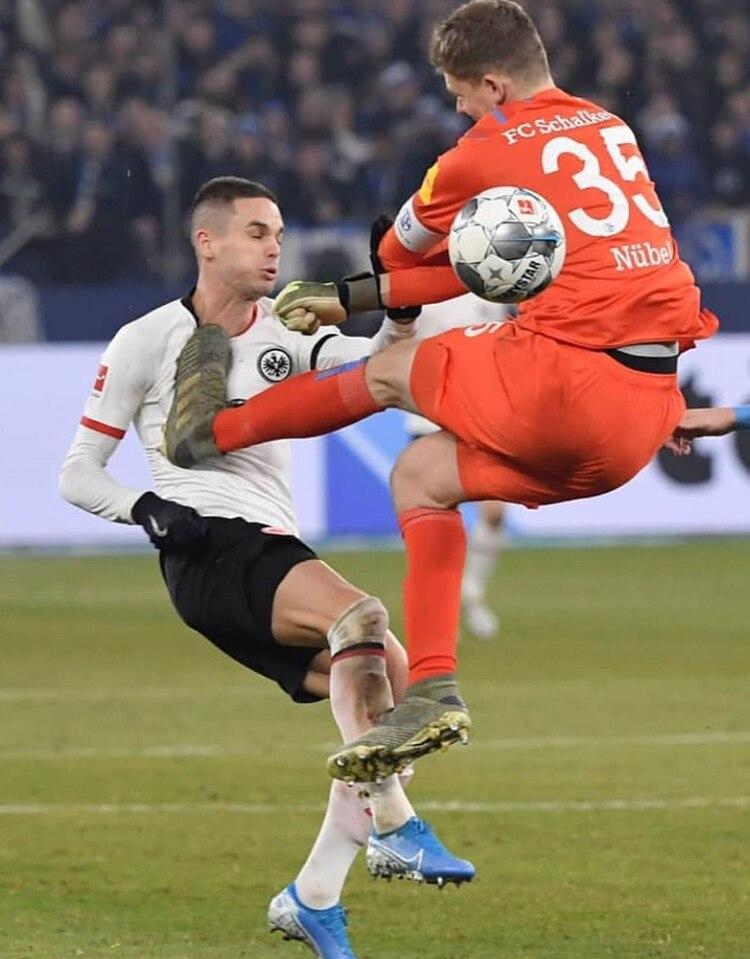El futbolista compartió una foto del momento en sus redes sociales (mijat10)