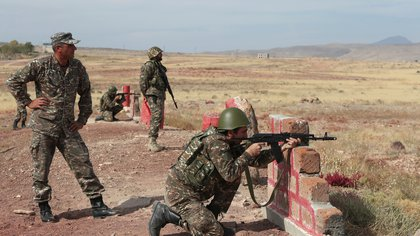 Armenian reservists undergo training at a firing range before their departure for the front line in the course of a military conflict with the armed forces of Azerbaijan over the breakaway region of Nagorno-Karabakh, near Yerevan, Armenia October 25, 2020. Vahram Baghdasaryan/Photolure via REUTERS  ATTENTION EDITORS - THIS IMAGE HAS BEEN SUPPLIED BY A THIRD PARTY.