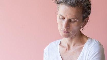 Romper el mito: a diferencia de las fotos sobre menopausia y canas de los bancos de imágenes, las protagonistas de esta nota se muestran sonrientes, con sus canas y sus menopausias