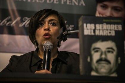 CULIACÁN, SINALOA, 05MARZO2015.- En el marco del doceavo aniversario del semanario Rio Doce, la periodista Anabel Hernández García ofreció una conferencia magistral donde  hablo del narcotráfico y problemas sociales en México. FOTO: RASHIDE FRIAS /CUARTOSCURO.COM