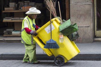 Las bolsas de plástico podrán utilizarse en la Ciudad de México para separar residuos sanitarios y deberá indicarse al personal de recolección lo que contiene para que no sea abierta (Foto: cuartoscuro)