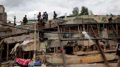 Las autoridades no encontraron responsabilidad de Sheinbaum sobre el Colegio Rébsamen que colapsó (Foto: Reuters)