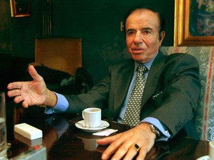 En 1957, durante la dictadura de Pedro Eugenio Aramburu, Carlos Menem fundó la Juventud Peronista de La Rioja