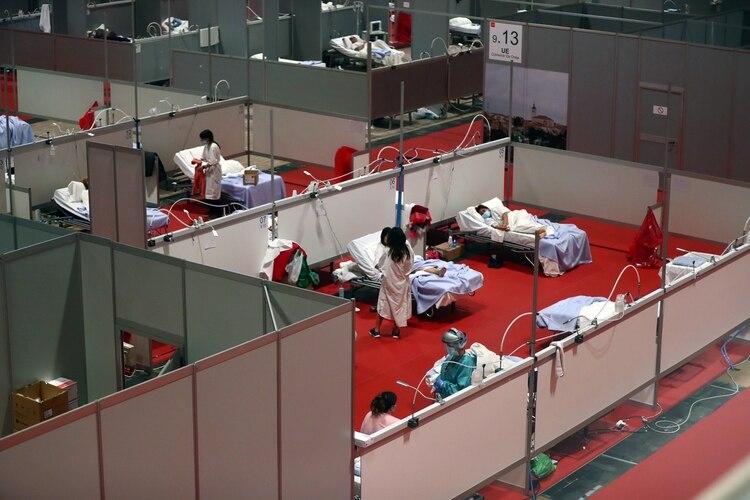 Vista general del hospital de campaña levantado dentro del centro de conferencias de IFEMA (REUTERS/Sergio Pérez)