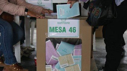 Cómo cambiar su lugar de votación o inscribir la cédula para las elecciones de 2022