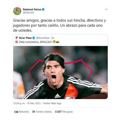 La respuesta del delantero colombiano a los saludos de River