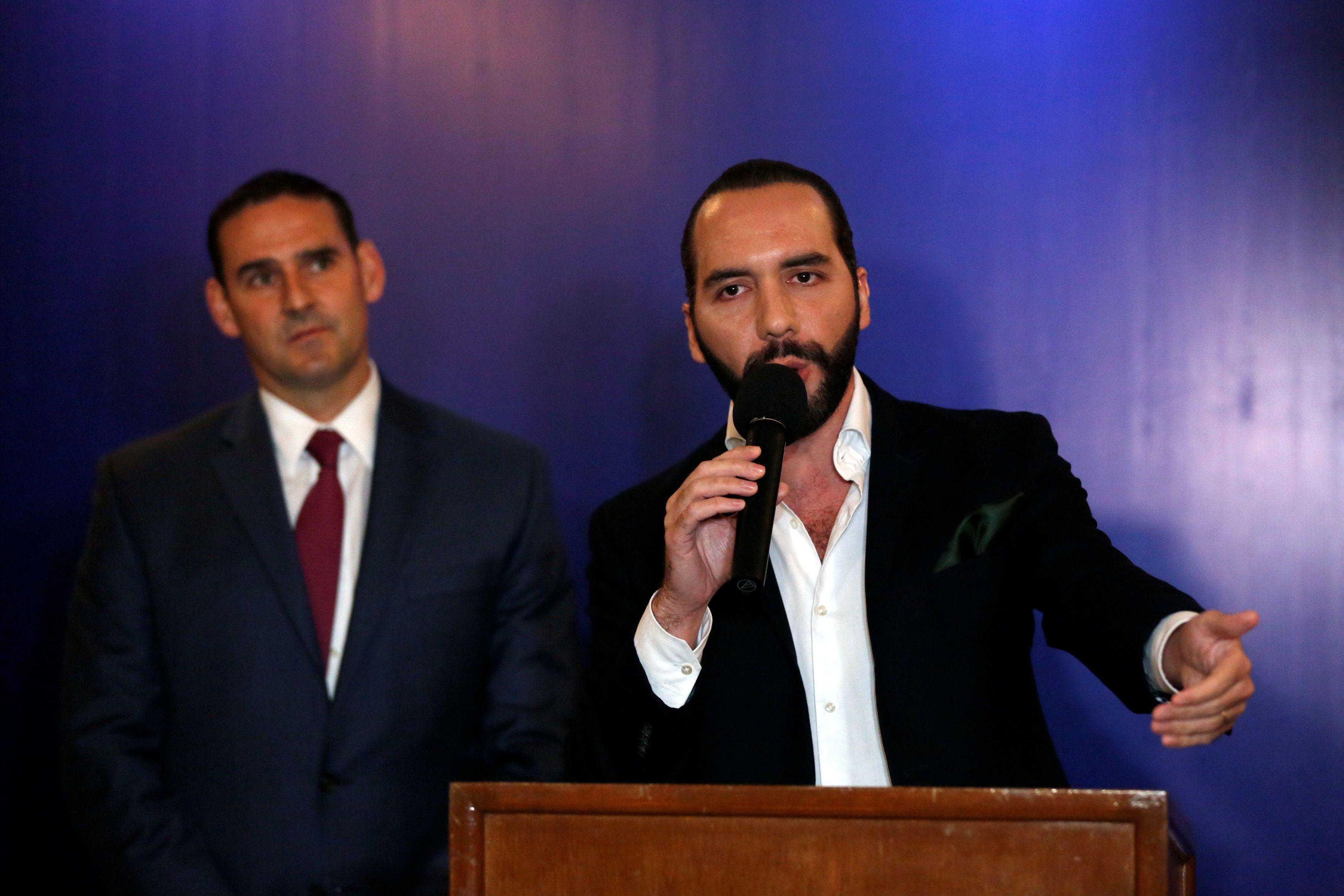 El presidente de El Salvador Nayib Bukele, junto con el ex alcalde Ernesto Muyshondt