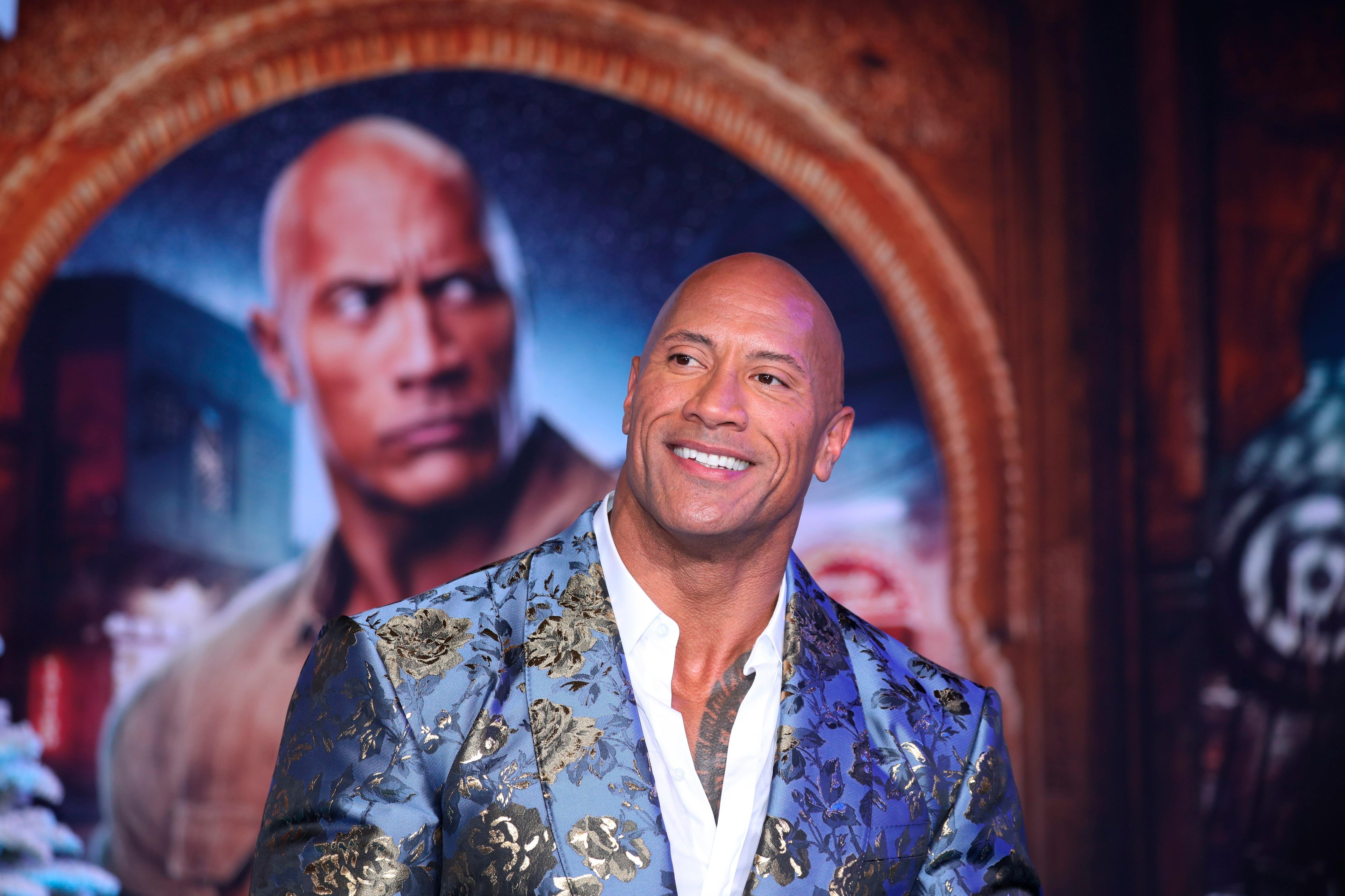 """Dwayne Johnson reconstruye su pasado con la serie """"Young Rock"""", once capítulos autobiográficos que produjo para HBO Max."""