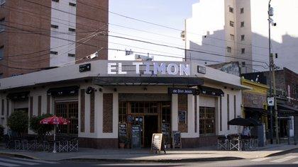 """El frente de """"El Timón de Don Jesús"""", el bar donde se produjo el incidente con Alfredo Casero (Foto: Augusto Fornaciari)"""