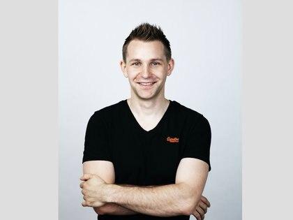 Max Schrems advirtió sobrela entregade datos de Facebook a las apps, pero perdió esa demanda.Por no escucharlo el abuso alcanzó a 87 millones de usuarios.(schre.ms)