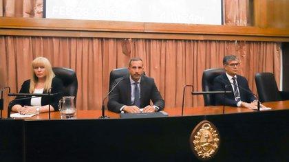Gorini (centro) en el veredicto del juicio por encubrimiento de la AMIA (Foto: Matías Baglietto)