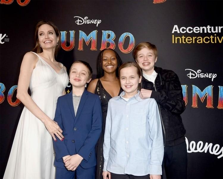Jolie señaló que los hijos no esperan que sus padres sean perfectos, pero sí sinceros (Foto. Archivo)