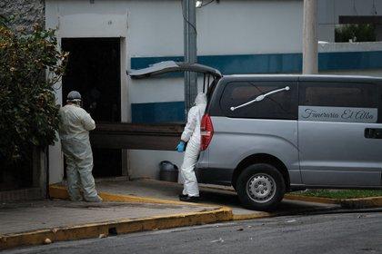 Nicaragua quitó al Interferon del porotcolo oficial para el tratamietno de los pacientes con Covid-19 cuando las muertes en el país se comenzaron a disparar (EFE)