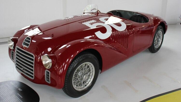 La Ferrari 125, primer auto firmado por Don Enzo, tomó mucho de la AAC 815.