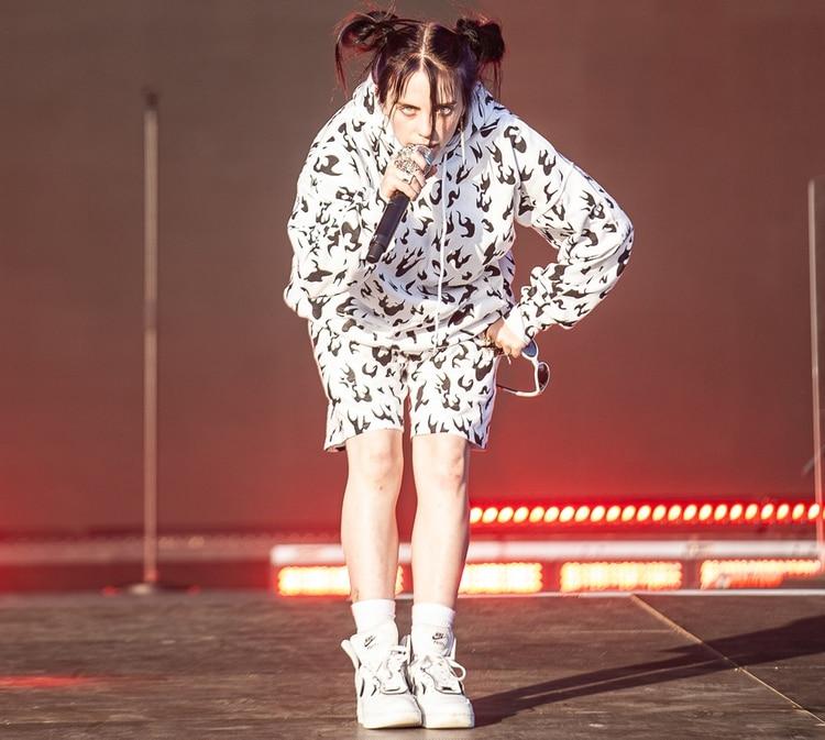 """Billie Eilish, una de las sensaciones del pop actual, se destacó en el Lollapalloza Estocolmo presentando las canciones de su último álbum, """"When We All Fall Asleep, Where Do We Go?"""""""