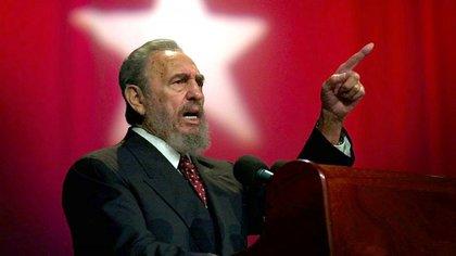 """Fidel Castro consideró una """"infamia"""" la publicación de la revista Forbes"""