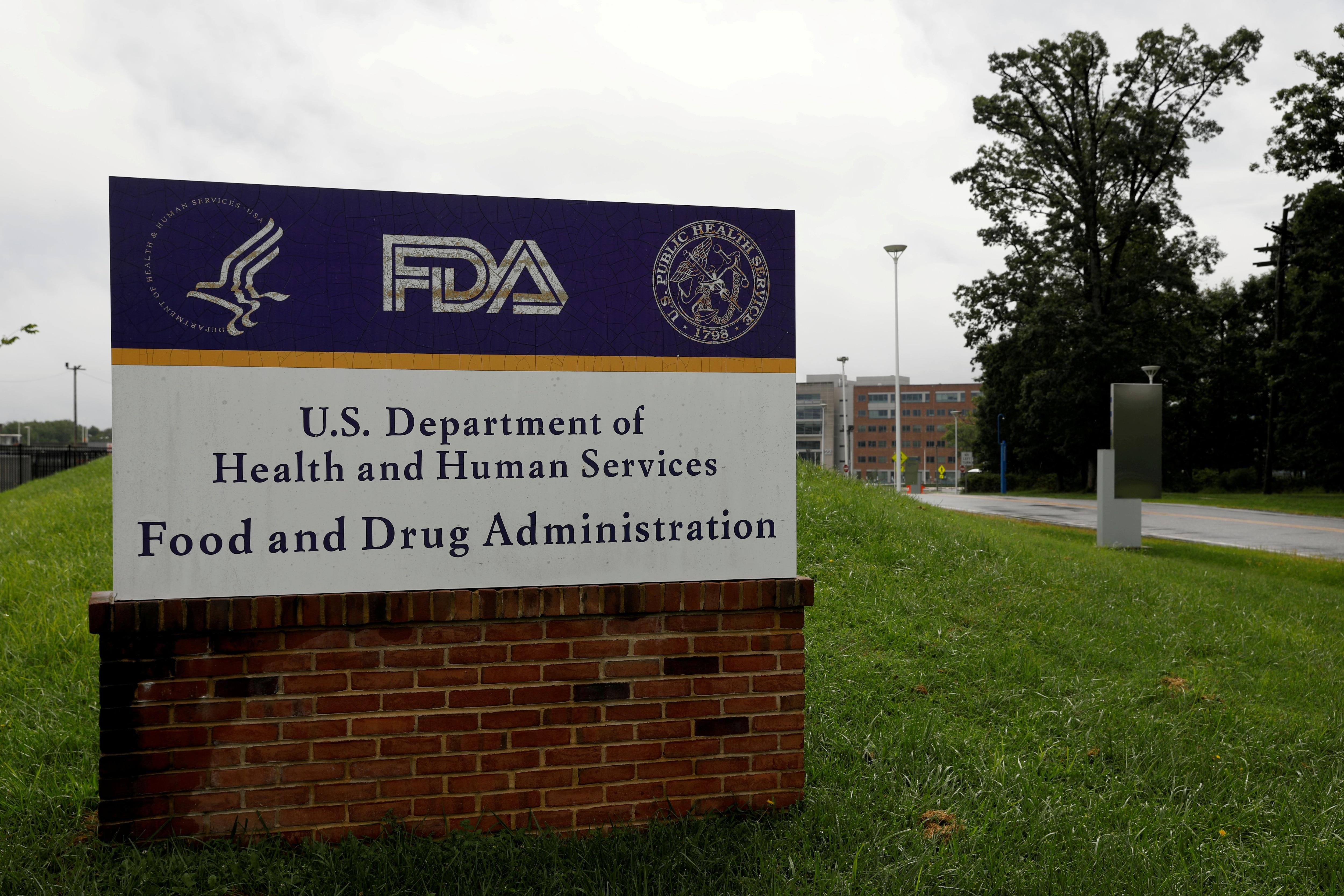 La FDA se pronunció junto a los CDC de forma inmediata REUTERS/Andrew Kelly/File Photo