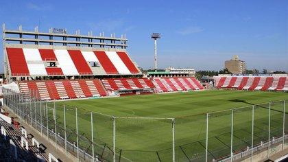 Unión venció a Patronato en el Estadio 15 de abril por la fecha 11 de la Superliga (Wikipedia)