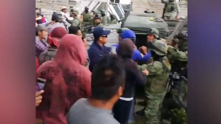 Según las autoridades, los pobladores buscaban recuperar el control de una bodega (Foto: Captura de pantalla, Facebook)