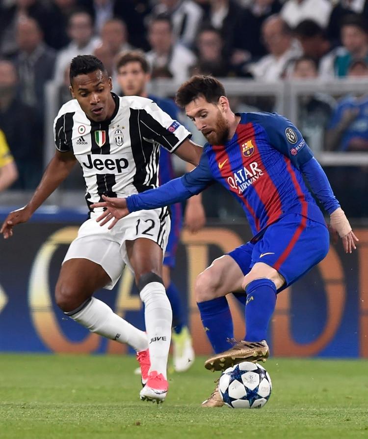 Alex Sandro juega en la Juventus de Italia y está nominado a integrar el 'FIFA FIFPRO World 11' (Reuters)