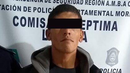 Carlos Savanz, homónimo, el primo que se entregó, buscado por trata de personas.