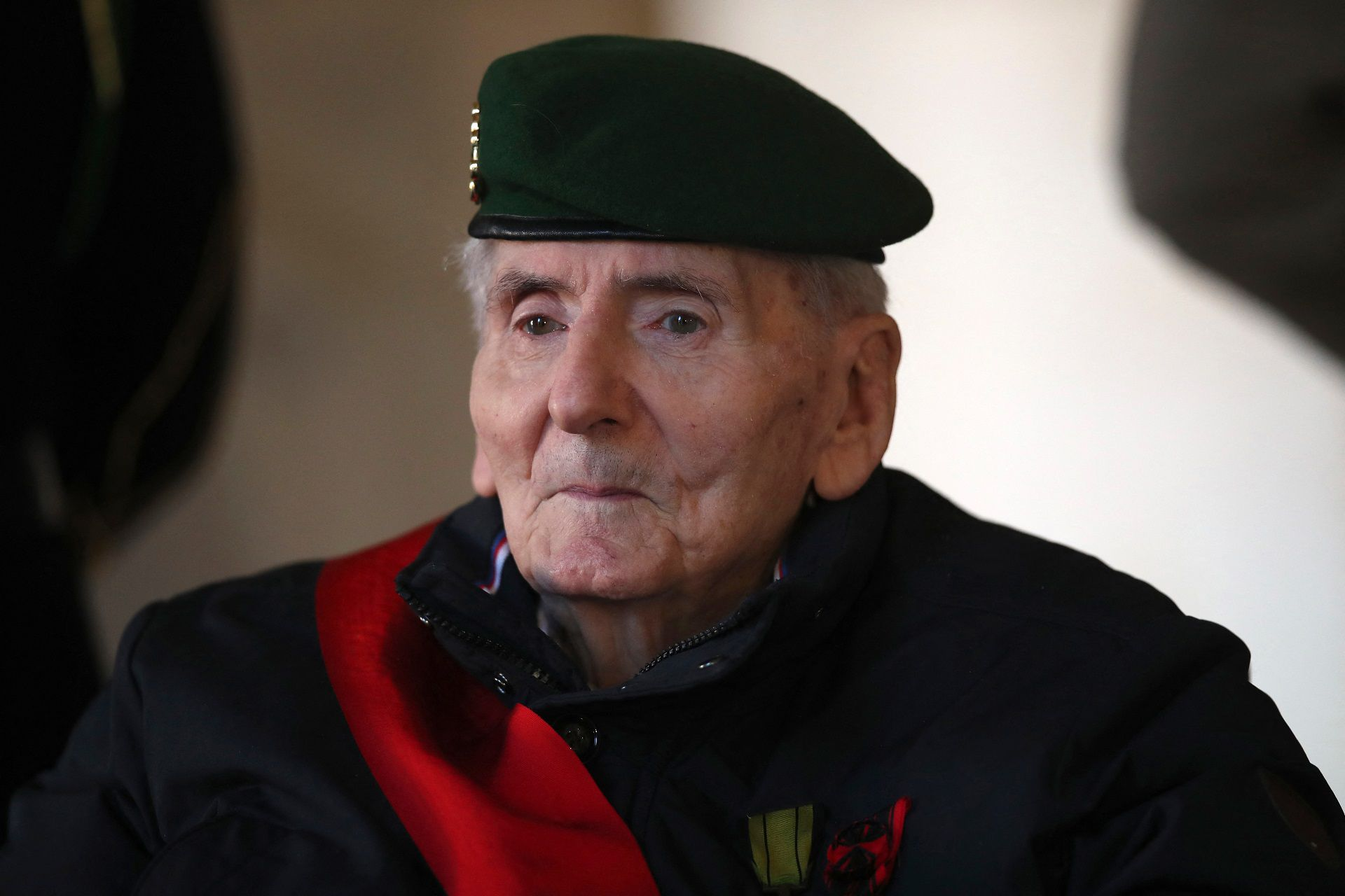 """(FILES) In this file photo taken on November 26, 2020 Hubert Germain, the last French WWII resistant of the """"Compagnon de la Liberation"""" still living, arrives to attend an honorary funeral ceremony for World War II resistant Daniel Cordier at the Hotel des Invalides in Paris. - Hubert Germain, who was the last surviving Liberation companion, died at the age of 101, French Defense Minister announced on October 12, 2021. (Photo by Michel Euler / POOL / AFP)"""