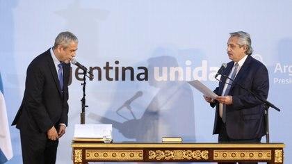 Ferraresi juró como ministro de Hábitat el 19 de noviembre pasado, ante Alberto Fernández.