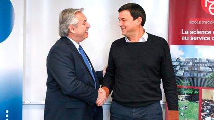 El saludo entre Alberto Fernández y Piketty