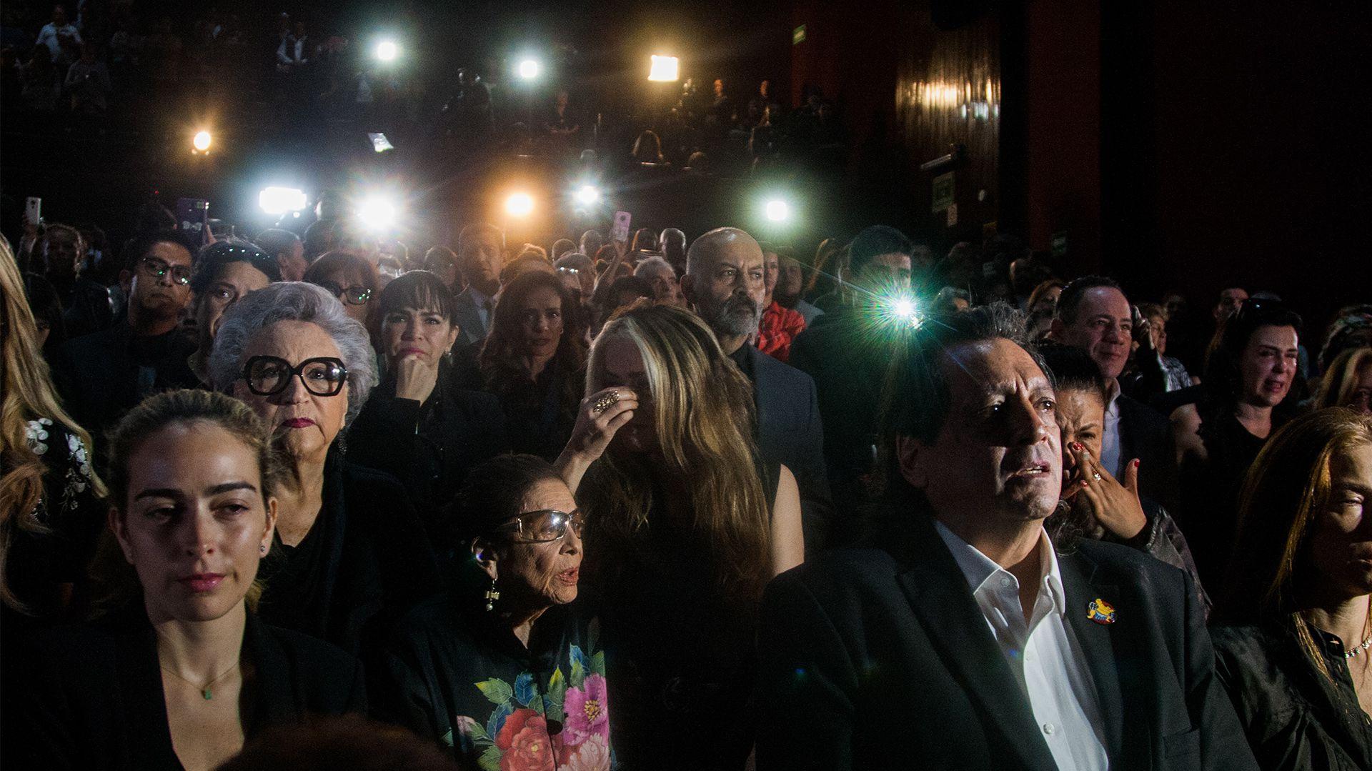 Compañeros del gremio se despidieron de la actriz Edith González (Foto: Galo Cañas – Cuartoscuro)