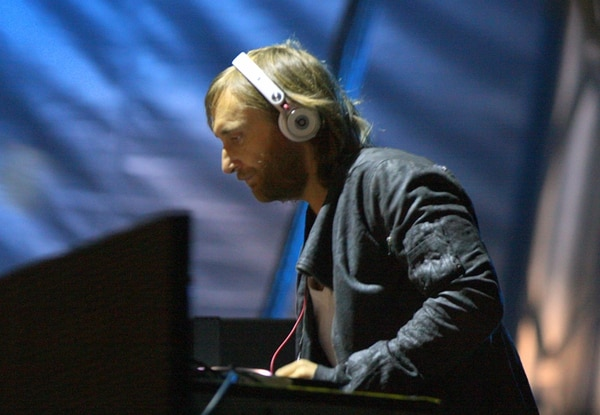 """A partir del años 2000 y gracias al éxito de""""Fuck Me I'm Famous"""", el DJ explotó internacionalmente y comenzó a actuar en Miami, San Pablo, Ámsterdam, Shanghái y Beirut, entre otras ciudades"""