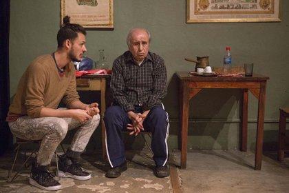 La obra que refleja amores, peleas y vivencias típicas de un contexto familiar armenio