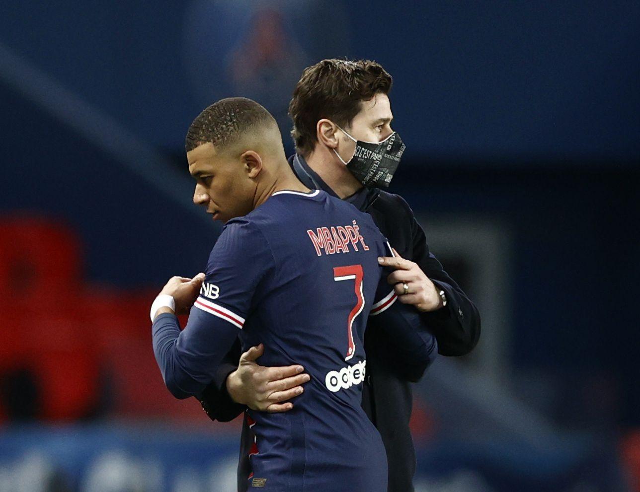 Mauricio Pochettino aplicó mano dura para controlar a Kylian Mbappe y Neymar (REUTERS/Christian Hartmann)