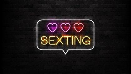 Según un estudio, el 26% de los jóvenes han enviado fotos sensuales durante la pandemia (Shutterstock.com)