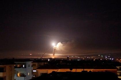 Los misiles lanzados por Israel contra posiciones iraníes en Siria (REUTERS/Omar Sanadiki)